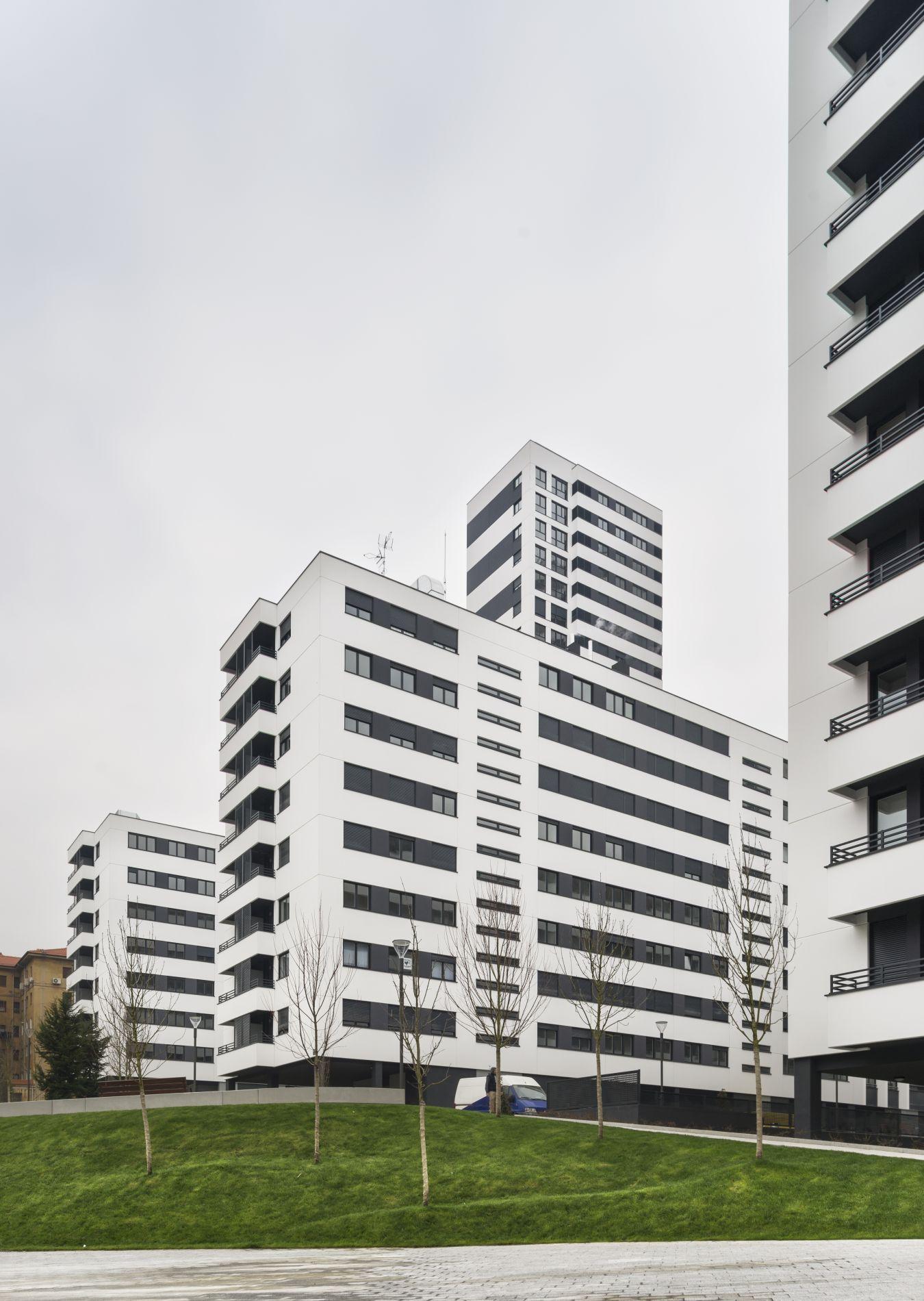 Fiark - 318 Viviendas VPO y 289 tasadas en Bilbao 1