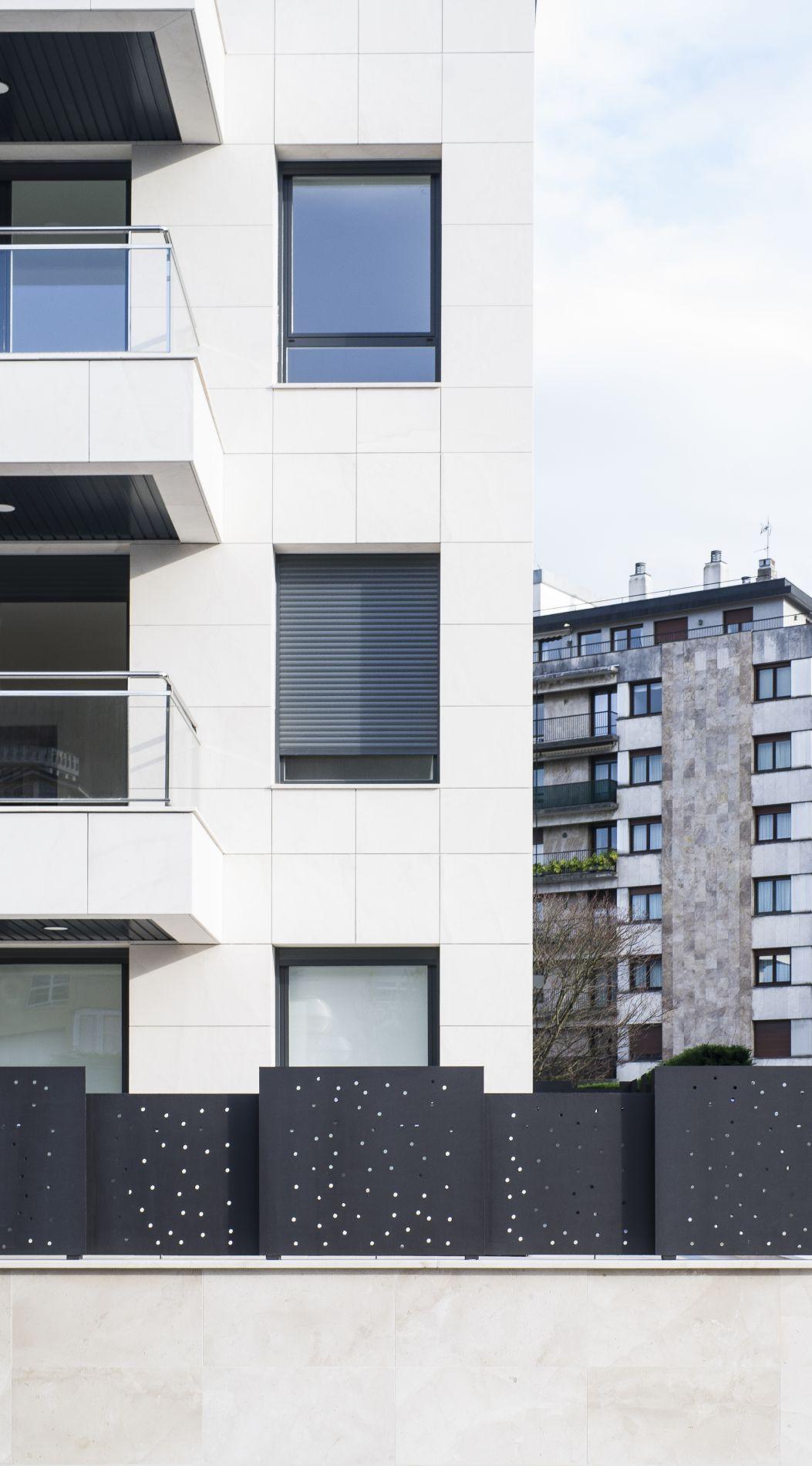 Fiark - 6 viviendas en Infanta Cristina 17 12