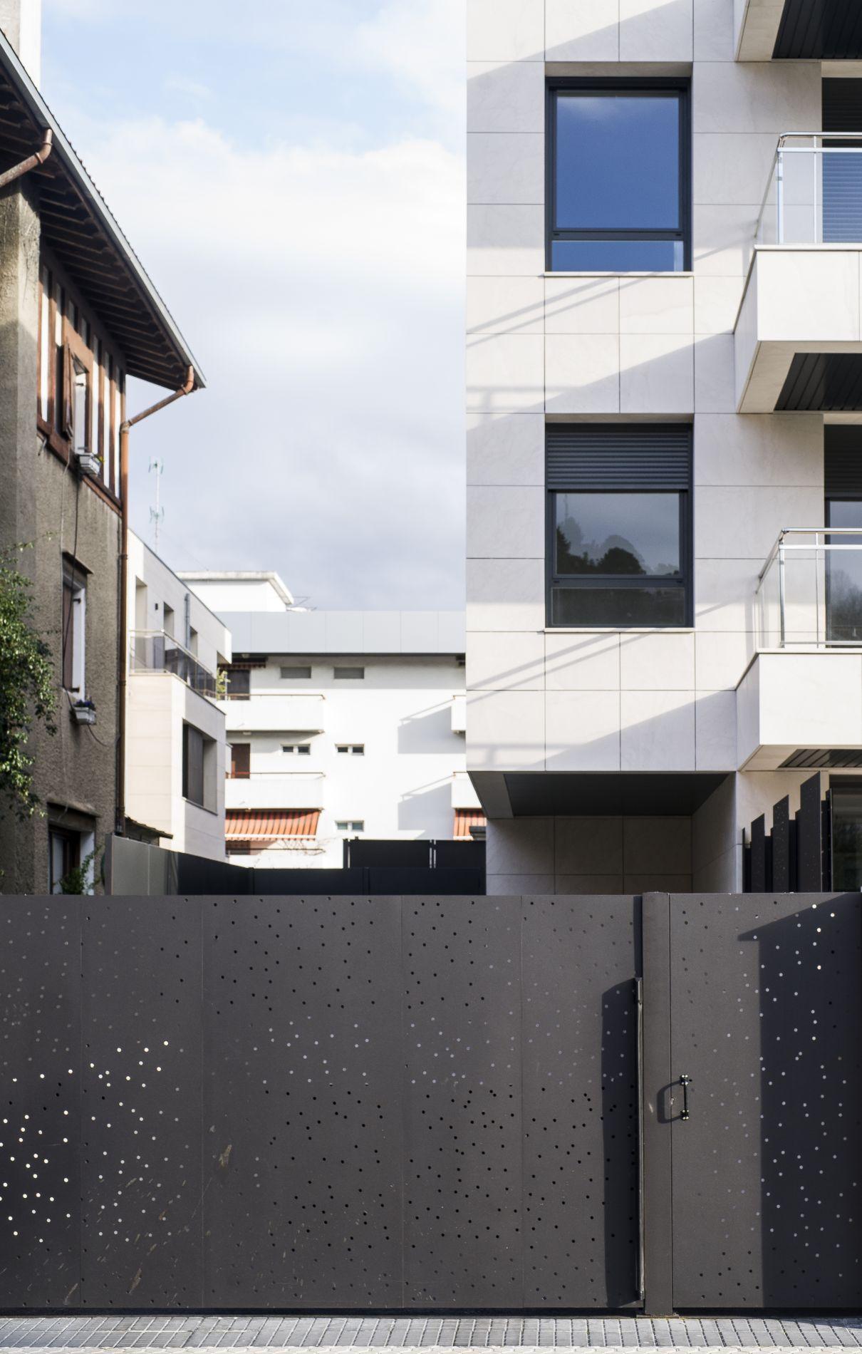 Fiark - 6 viviendas en Infanta Cristina 17 14