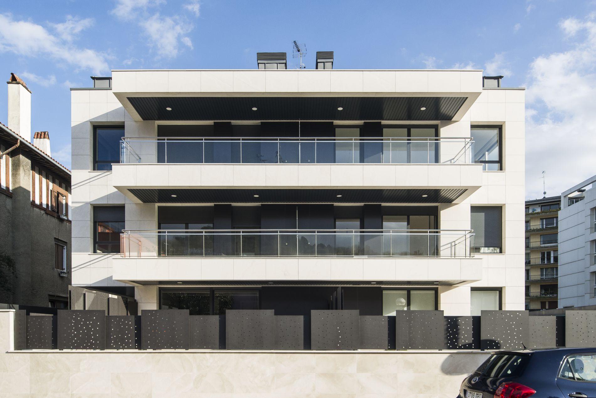 Fiark - 6 viviendas en Infanta Cristina 17 2