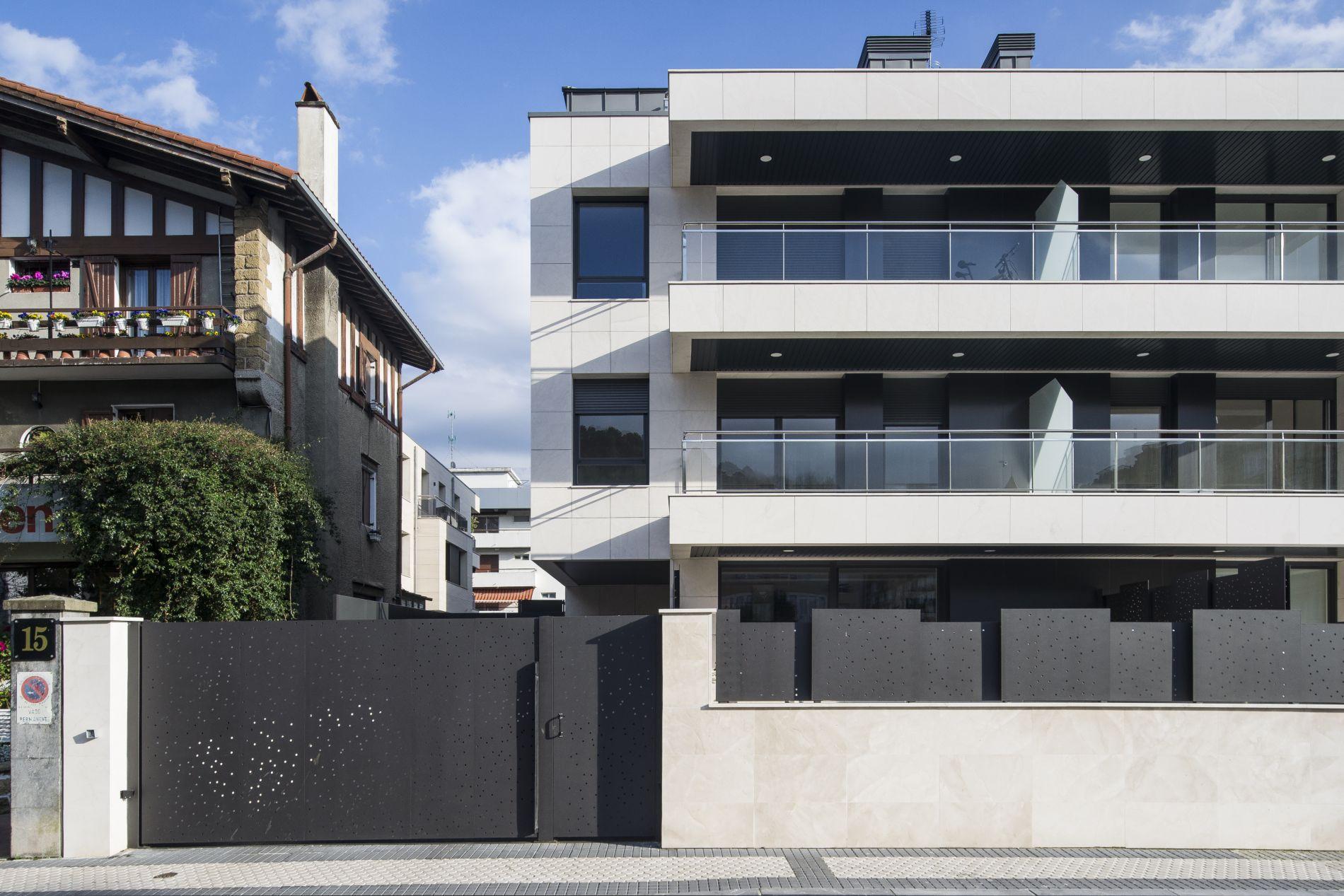 Fiark - 6 viviendas en Infanta Cristina 17 3