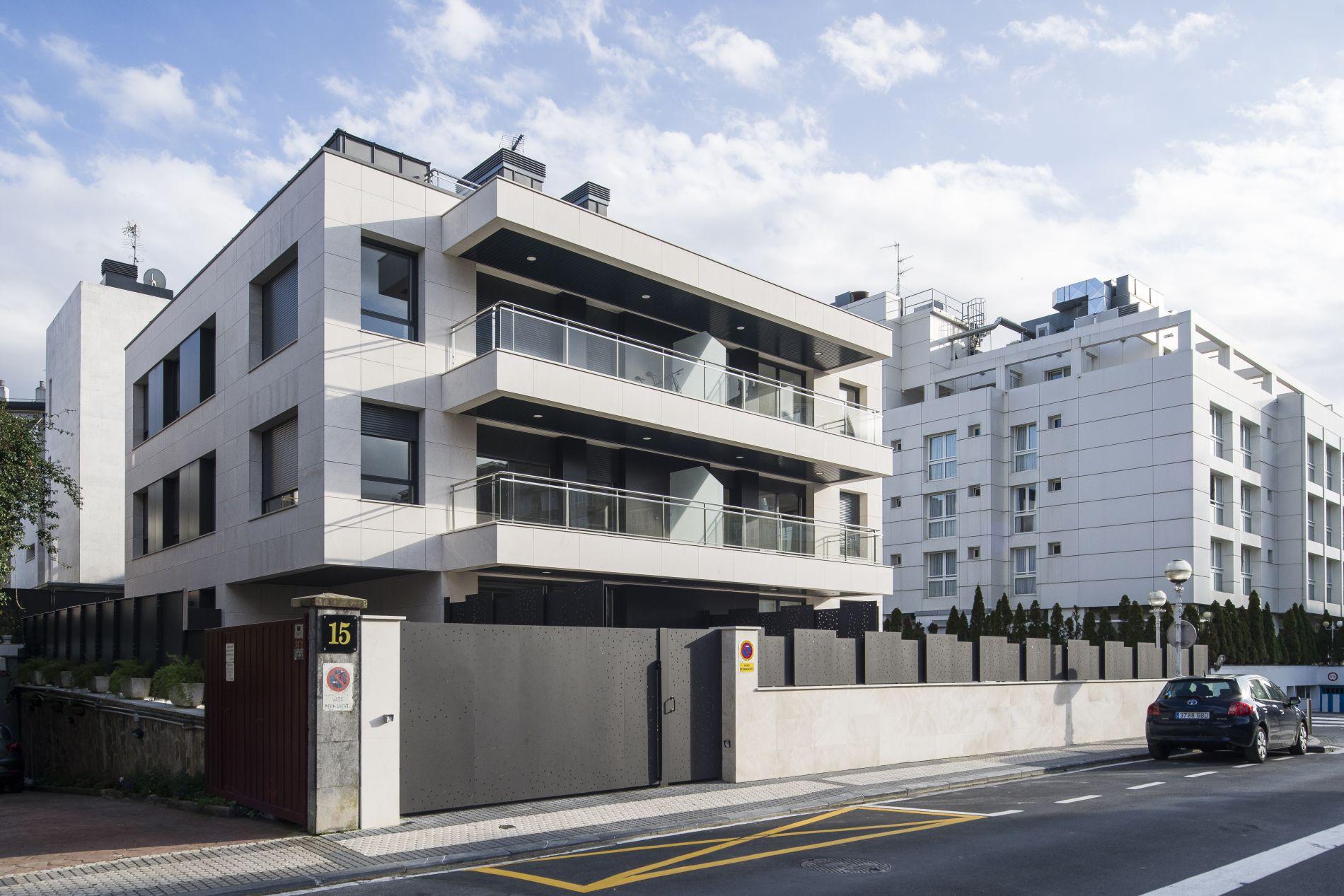 Fiark - 6 viviendas en Infanta Cristina 17 4